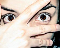 Birinin Gözlerinin İçine 10 Dakika Bakarak Bilinç Değiştirilebilir
