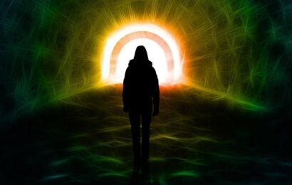 Bir Ruhun Sizinle İletişim Kurmaya Çalıştığına Dair 10 İşaret