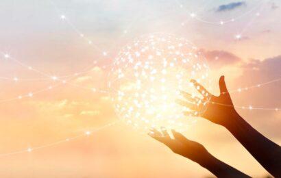 Evrenin Bize Rehberlik Etmesi İçin Kullandığı 4 İletişim Yöntemi